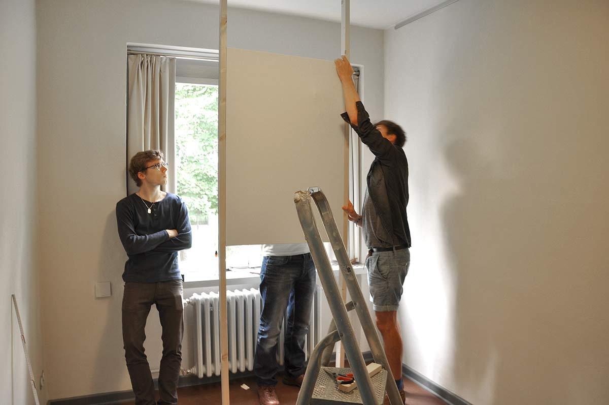 Ausstellungsaufbau einer Videoinstallation im Meisterhaus Muche, Bauhaus Dessau (3. Studienjahr)