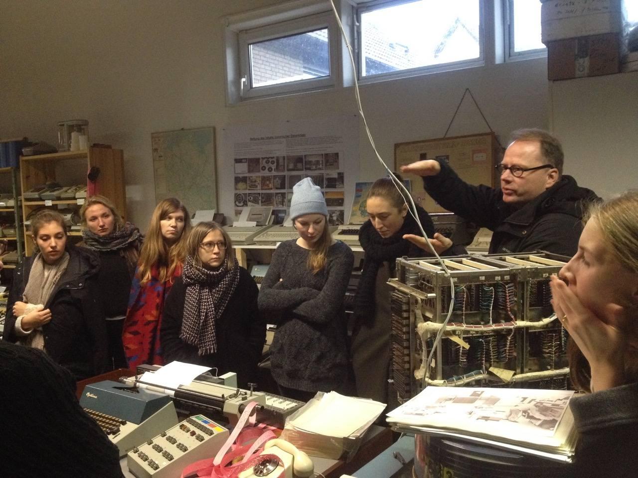 Besuch im Computermuseum Halle mit 1. Studienjahr Kommunikationsdesign